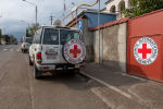 Машина Международного Комитета Красного Креста (МККК) в Карабахе, фото из архива