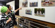 Посетители на открытии выставки победителей конкурса имени Андрея Стенина в Кейптауне, фото из архива