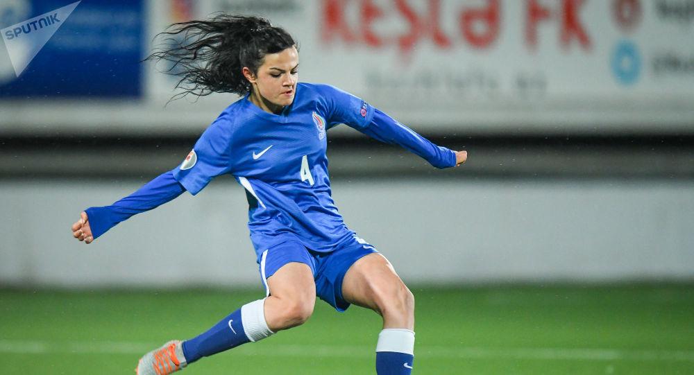 Футболистка женской сборной Азербайджана, фото из архива