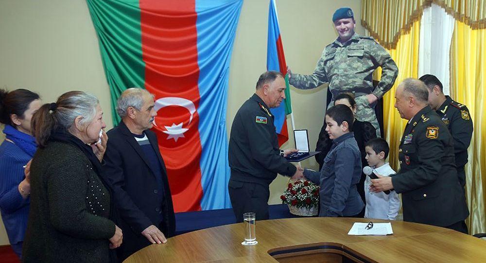 Семье погибшего азербайджанского майора вручена медаль За достойную службу НАТО