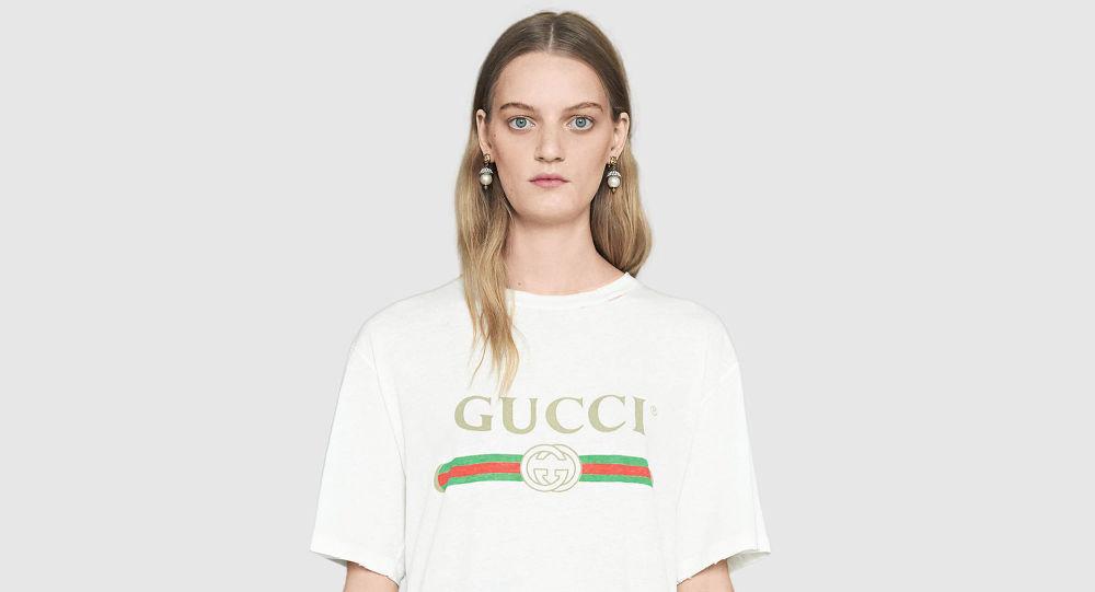 13 причин. Почему мы носим белые футболки с лого брендов