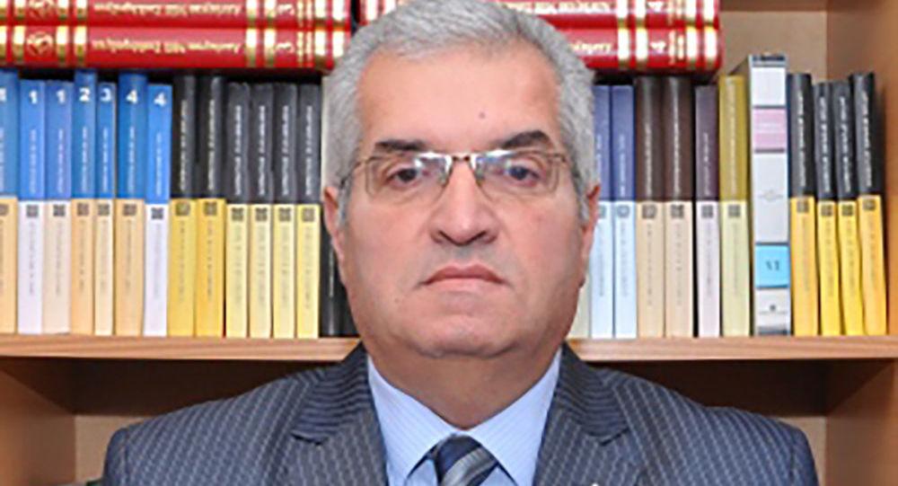 Politoloq Elşən Manafov