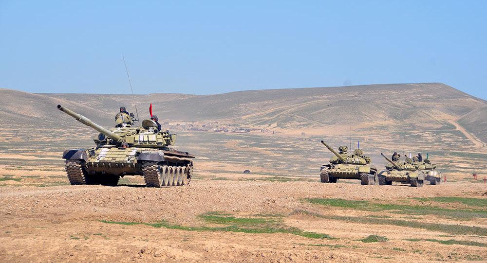 Tank bölmələrinin intensiv döyüş hazırlığı məşğələləri, arxiv şəkli