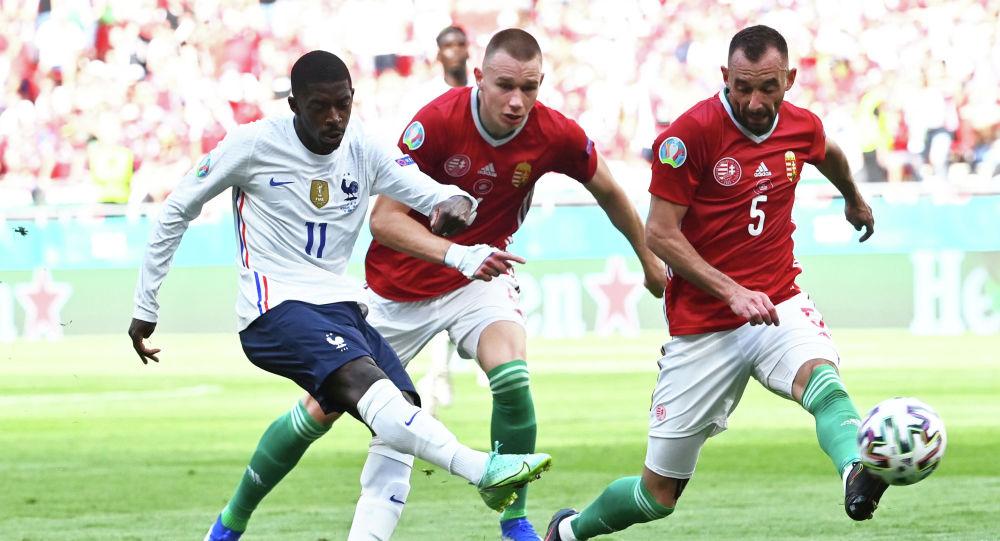 Игровой момент матча ЕВРО-2020 между сборными Венгрии и Франции