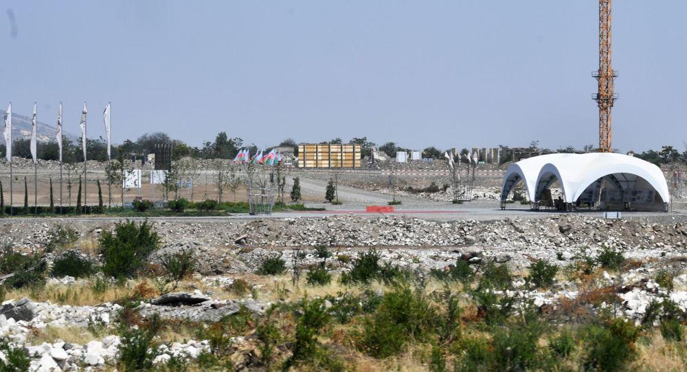 Восстановительные работы в Агдаме, фото из архива