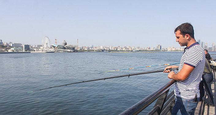Исмаил Мамедов поймал свою первую рыбу в 12 лет
