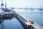 Вид на Морской промысел нефтеперерабатывающего управления