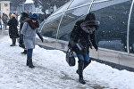 Состояние тротуаров после снега, архивное фото