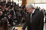 Сержа Саргсян голосует на выборах в парламент Армении