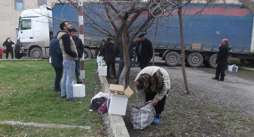 Heydər Əliyev Fondunun bayram sovqatı sosial yardım alan vətəndaşlara paylanılıb