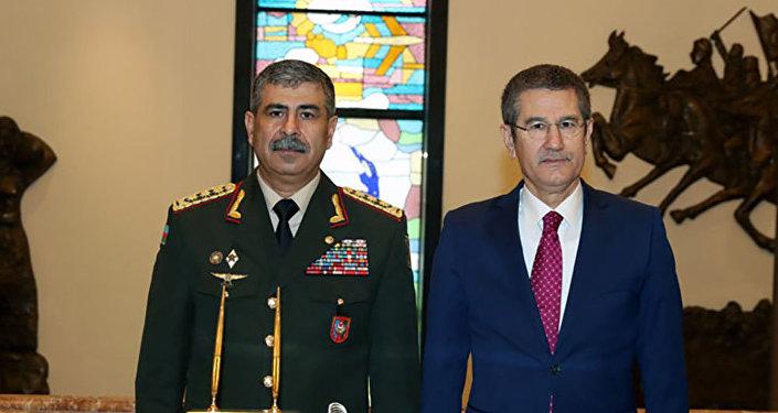 Министр обороны Азербайджанской Республики генерал-полковник Закир Гасанов встретился с Министром национальной обороны Турецкой республики Нуреттином Джаникли