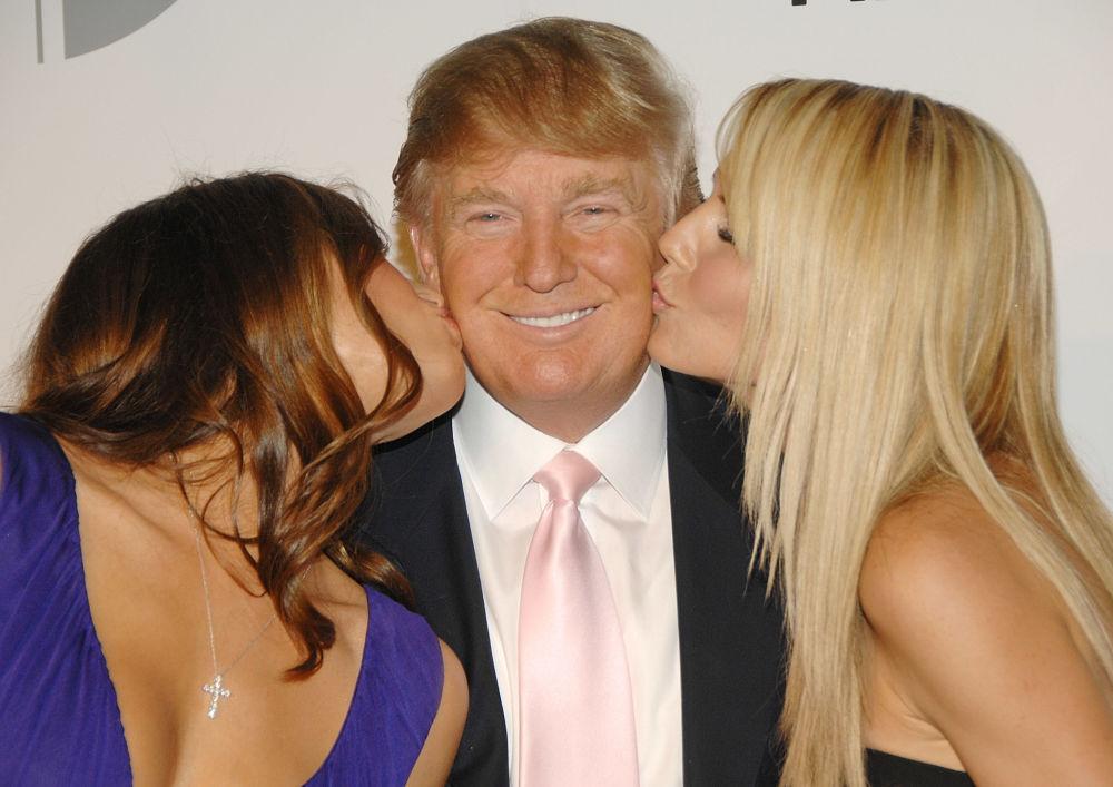Дональд Трамп с женой Меланьей и моделью Хайди Клум