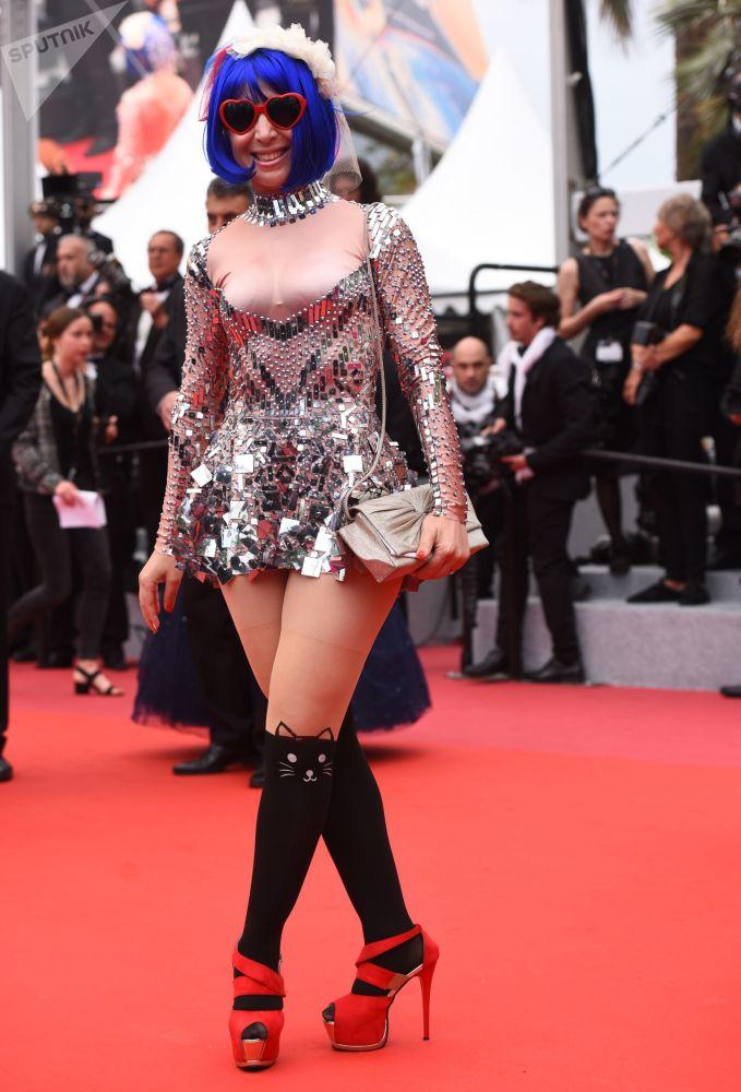 Гостья на красной дорожке 71-го Каннского международного кинофестиваля