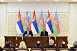Президенты Азербайджана и Сербии Ильхам Алиев и Александр Вучич во время выступления с заявлениями для печати