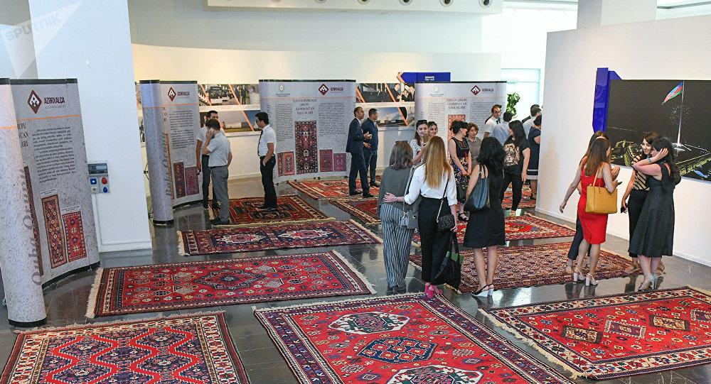 Выставка ковров  в Баку, фото из архива