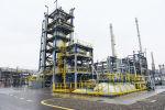 Производственные участки Бакинского нефтеперерабатывающего завода после реконструкции, архивное фото