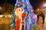 Дед Мороз и Снегурочка на бакинском бульваре