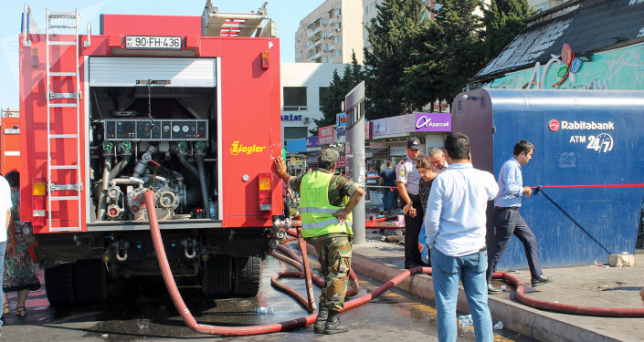 Пожар в цветочном магазине на проспекте Гара Гараева