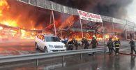 Пожар на рынке стройматериалов Eurohome, фото из архива