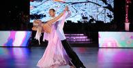 Известный азербайджанский танцор Эльдар Джафаров вместе со своей коллегой и супругой Анной Сажиной, фото из архива