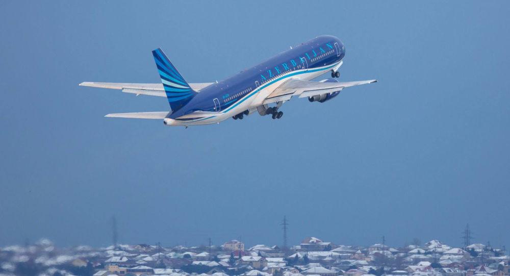 Пассажирский самолет AZAL, фото из архива