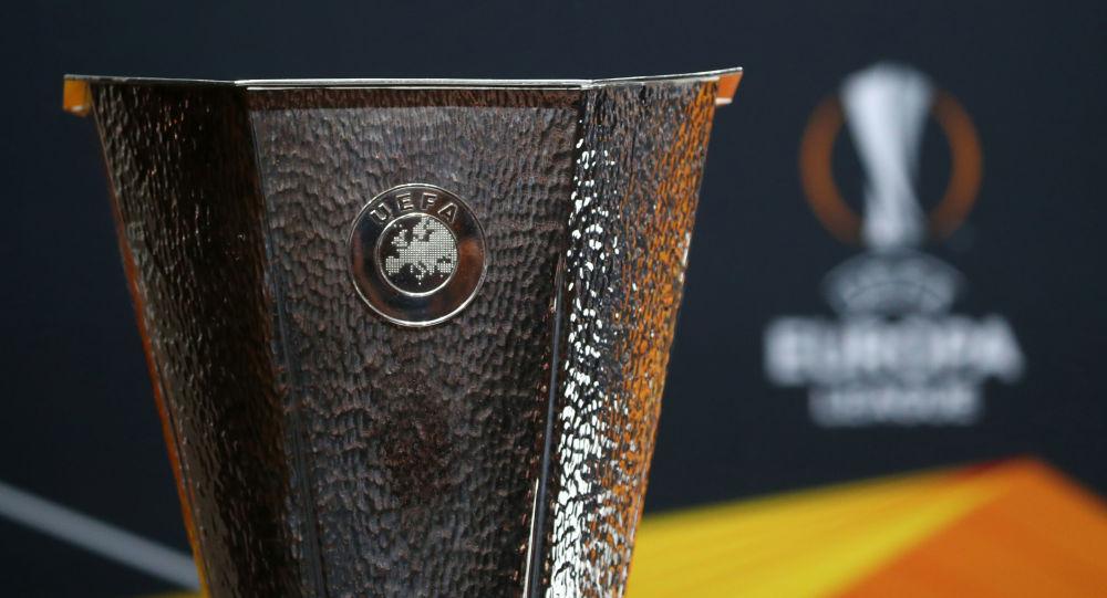 UEFA loqosu, arxiv şəkli