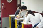 Студенты сдают экзамен, фото из архива