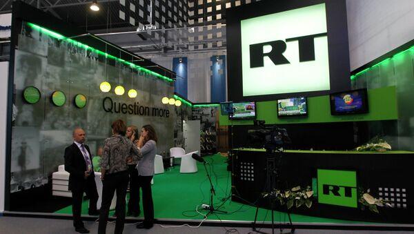 Стенд канала Russia Today - Sputnik Азербайджан