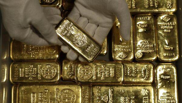 Золотые слитки, фото из архива  - Sputnik Азербайджан