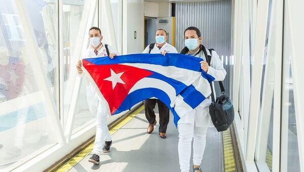 Kubadan gələn tibb işçiləri - Sputnik Азербайджан