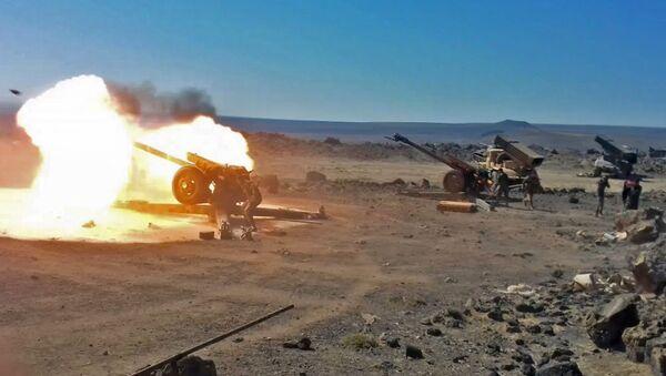 Стрельба артиллерии, фото из архива - Sputnik Azərbaycan