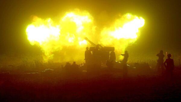Стрельба артиллерии, фото из архива - Sputnik Азербайджан