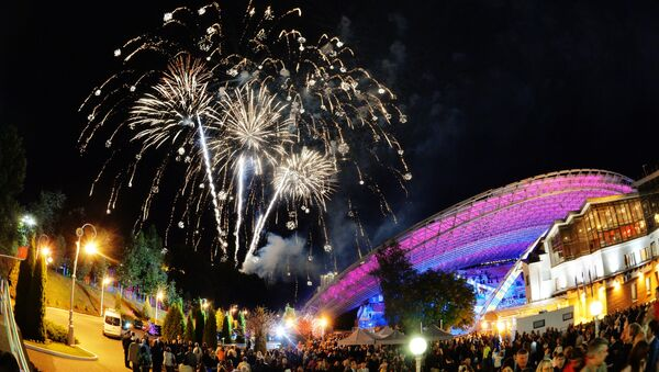 Фейерверк в честь открытия XXVIII Международного фестиваля искусств Славянский базар в Витебске. - Sputnik Азербайджан