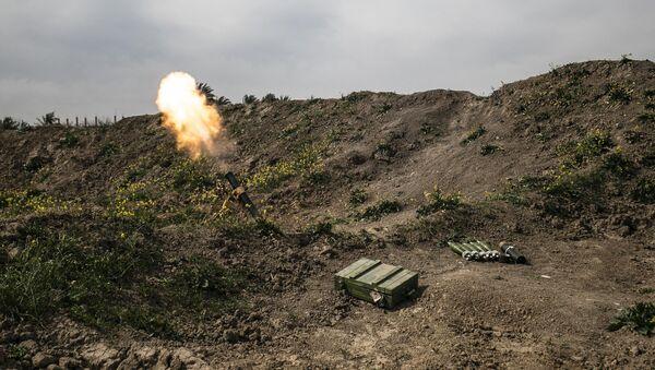 Стрельба из миномета, фото из архива - Sputnik Азербайджан