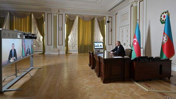 İlham Əliyev görüş zamanı - Sputnik Азербайджан
