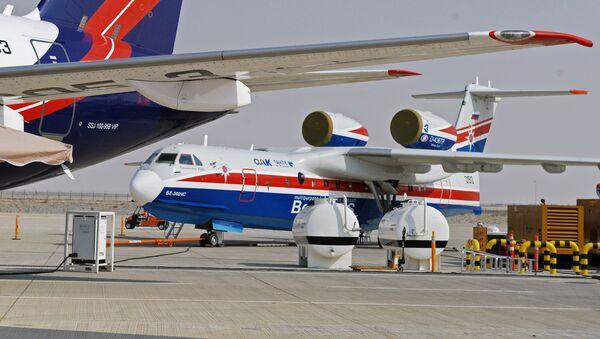 Российский самолёт-амфибия Бе-200ЧС на Международной авиационно-космической выставке Dubai Airshow 2017. - Sputnik Azərbaycan