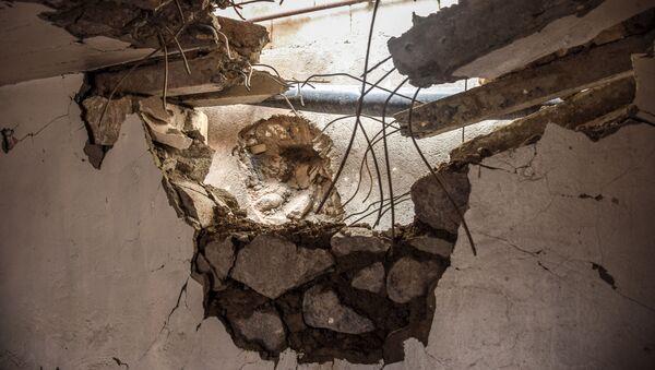 Разрушенный в результате обстрела жилой дом в селе Дондар Гушчу Товузского района Азербайджана  - Sputnik Азербайджан