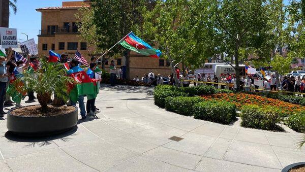 Акция азербайджанцев в Лос-Анджелесе - Sputnik Азербайджан