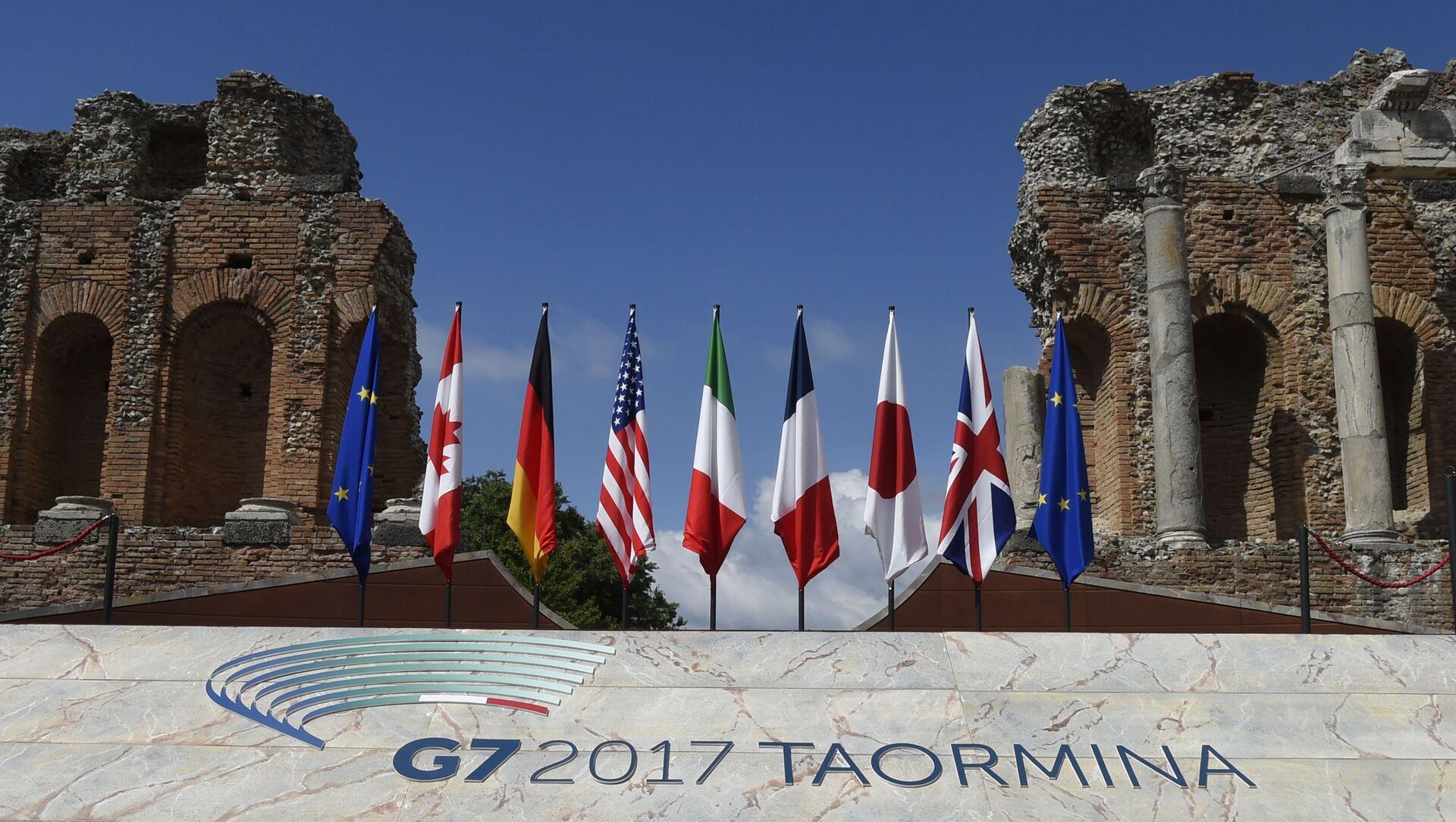 Флаги Евросоюза и стран G7, фото из архива - Sputnik Азербайджан, 1920, 13.06.2021