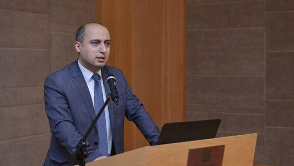 Emin Əmrullayev, arxiv şəkli - Sputnik Азербайджан