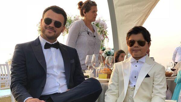 Эмин Агаларов со своим сыном Али Агаларовым, фото из архива - Sputnik Азербайджан