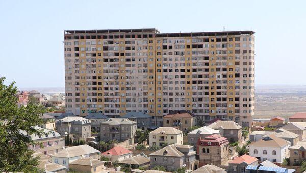 Binanın üstündə tikinti - Sputnik Азербайджан