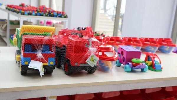 Qobu oyuncaq istehsalı müəssisəsi - Sputnik Azərbaycan