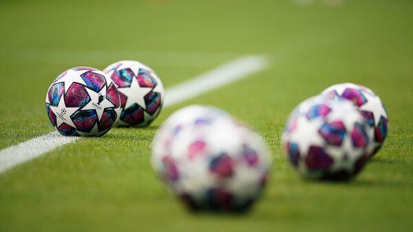 Футбольные мячи, фото из архива - Sputnik Азербайджан
