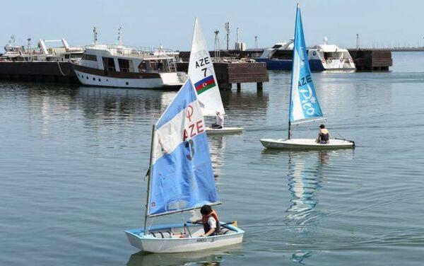 Тренировки парусного спортивного клуба Хазар Азербайджанского Каспийского морского пароходства (ASCO) - Sputnik Азербайджан