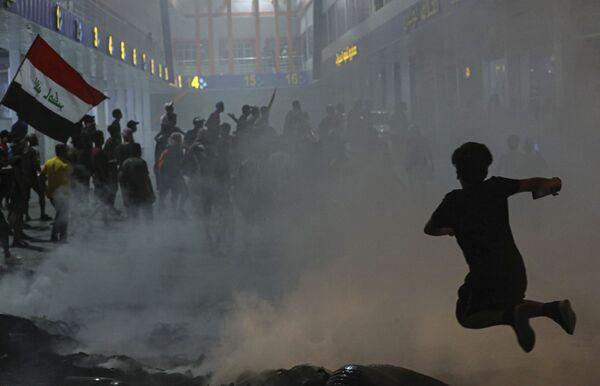 Антиправительственные протесты в Ираке - Sputnik Азербайджан