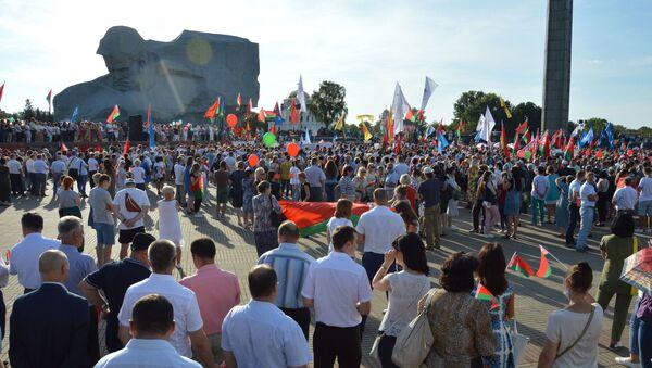 Митинги, цепи, акции и пробки в Беларуси  - Sputnik Азербайджан