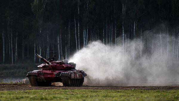 Танк Т-72Б3 команды военнослужащих Азербайджана во время соревнований танковых экипажей  - Sputnik Азербайджан