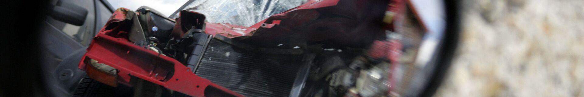 Автомобильная авария, фото из архива - Sputnik Azərbaycan