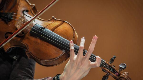 Скрипач, фото из архива - Sputnik Азербайджан